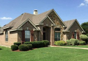 When to Replace Your Roof: Signs to Look Out For